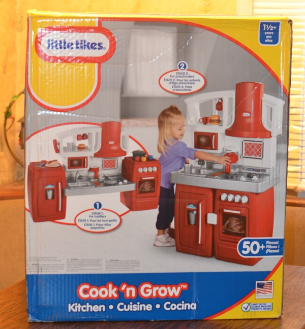 Little Tikes Cook 'n Grow Kitchen Review & Giveaway