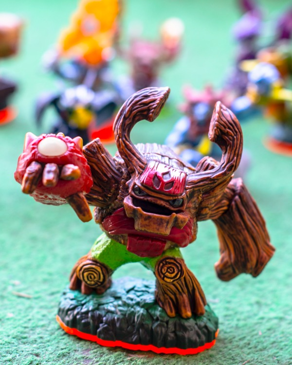 Skylander Giants Figurine