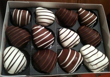 Shari's Berries Chocolate Dipped Strawberries