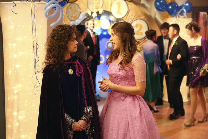 Sue goes to prom - The Middle