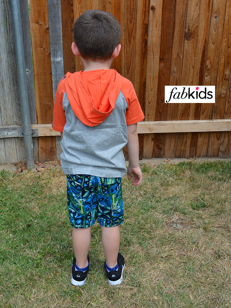 FabKids outfit for boys - back