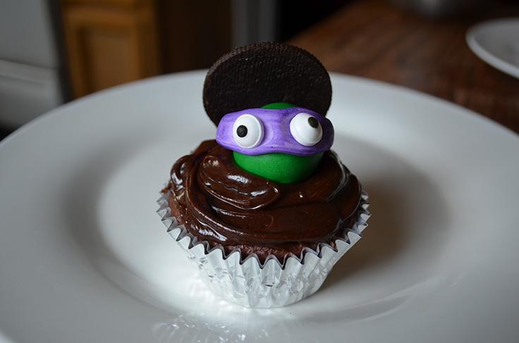 Teenage Mutant Ninja Turtle Cupcakes with Fondant