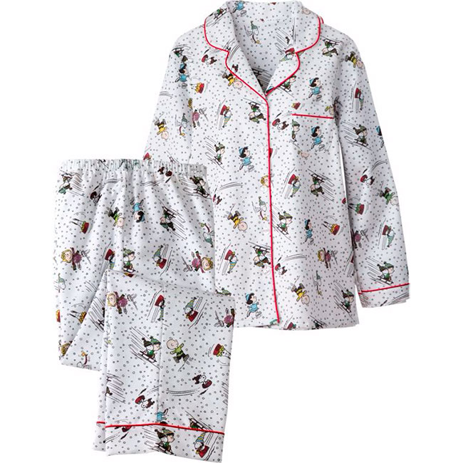 Our exclusive womens Snoopy and Woodstock broadcloth cotton pajamas include a button-front top with a classic notched collar and pull-on bottoms/5(2).