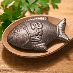 2016 holiday gift guide great gift ideas for everyone for Lucky iron fish controversy
