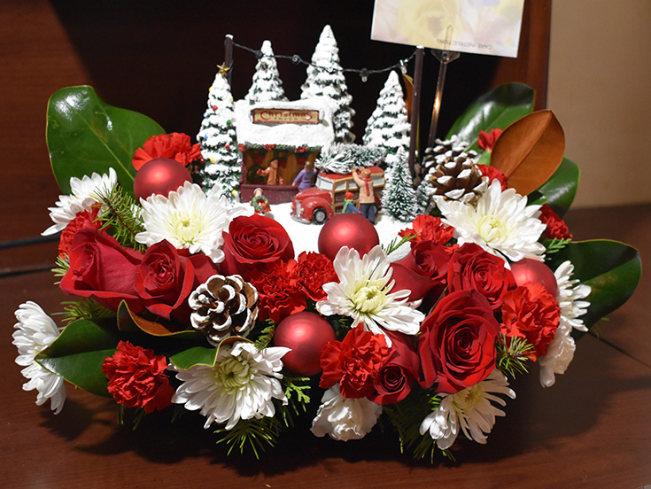Share Your #LoveOutLoud With Teleflora's New Christmas Floral Arrangements