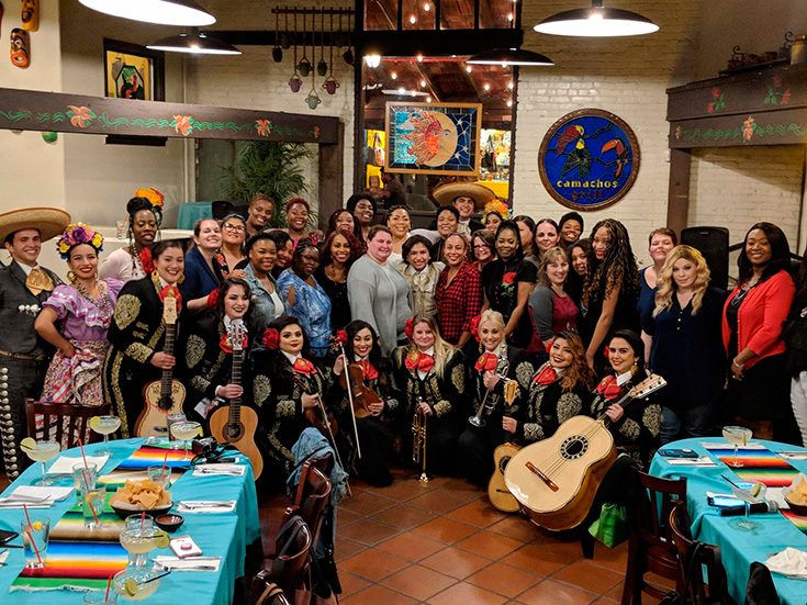 Dinner On Olvera Street With Anthony Gonzalez (Voice Of Miguel) From Coco + Interview #COCOBLURAY