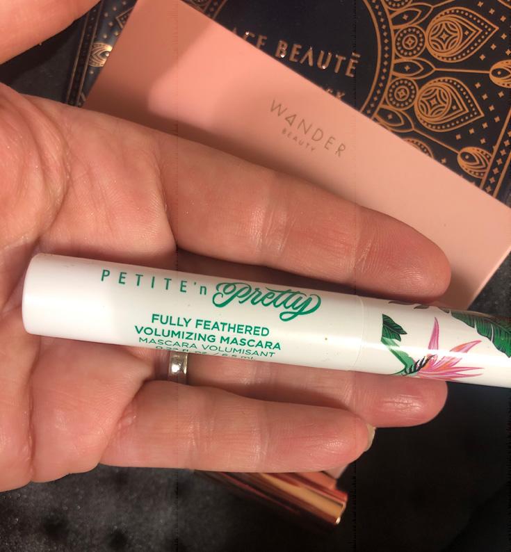 Petite 'N Pretty - Fully Feathered Volumizing Mascara