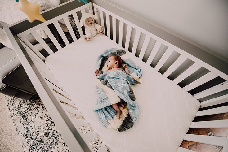 8 Ways To Get Your Baby To Sleep In a Crib