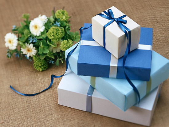 The Ultimate Holiday Gift Tips for Loved Ones